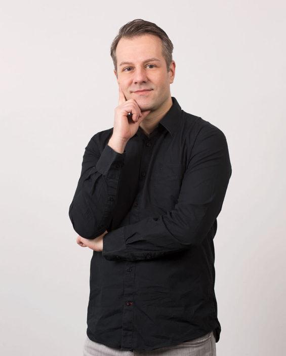Daniel S. 1 565x703 - Unser Team