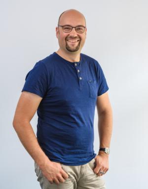 Stefan M. neu karriere 300x383 - Unser Team